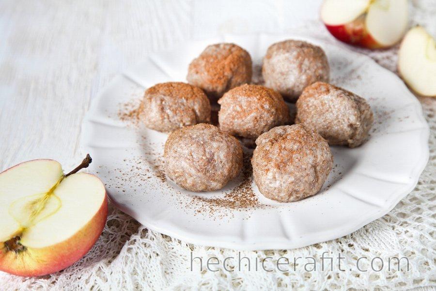 Bolas de masa integrales de manzana