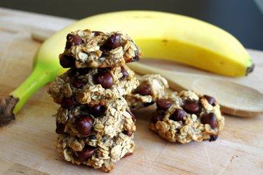 Galletas de banana y avena de 3 ingredientes, sin harina, azúcar y huevo