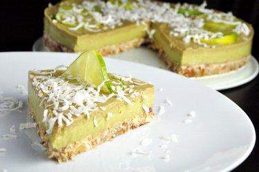 Pastel de limón y aguacate (Sin gluten)