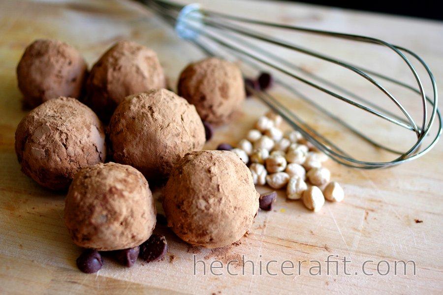 Bolas de garbanzo con cubierta de cacao (sin gluten)