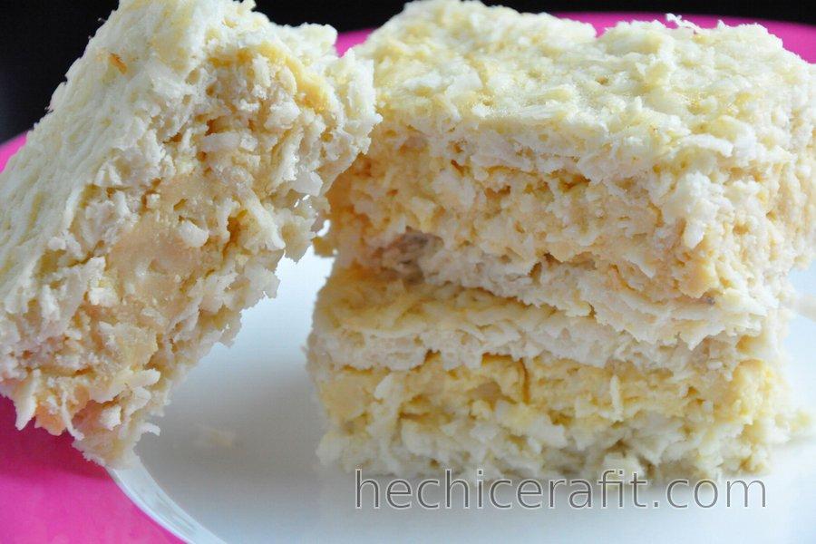Pastel de coco con pudín de yema de huevo (sin gluten)