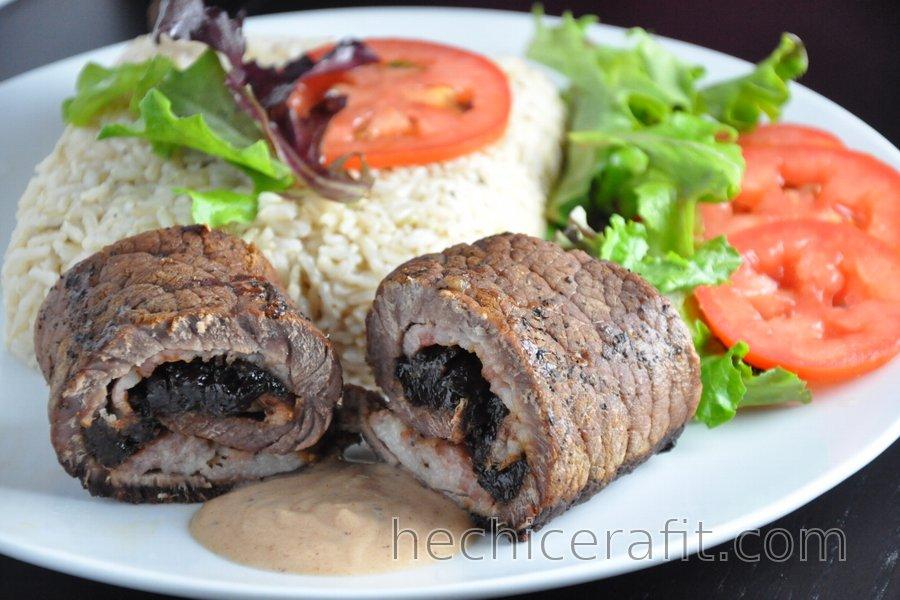 Rollos de carne con ciruelas deshidratadas