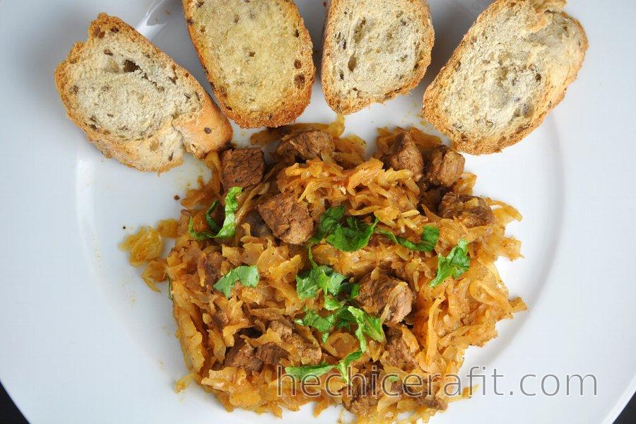 Estofado de res con sauerkraut