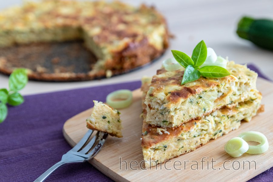 Tarta salada de calabacín con requesón saludable