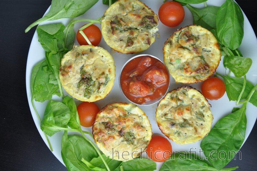 Muffins saludables de huevo con atún
