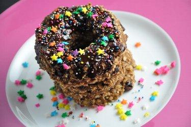 Donuts saludables de avena con cobertura de chocolate